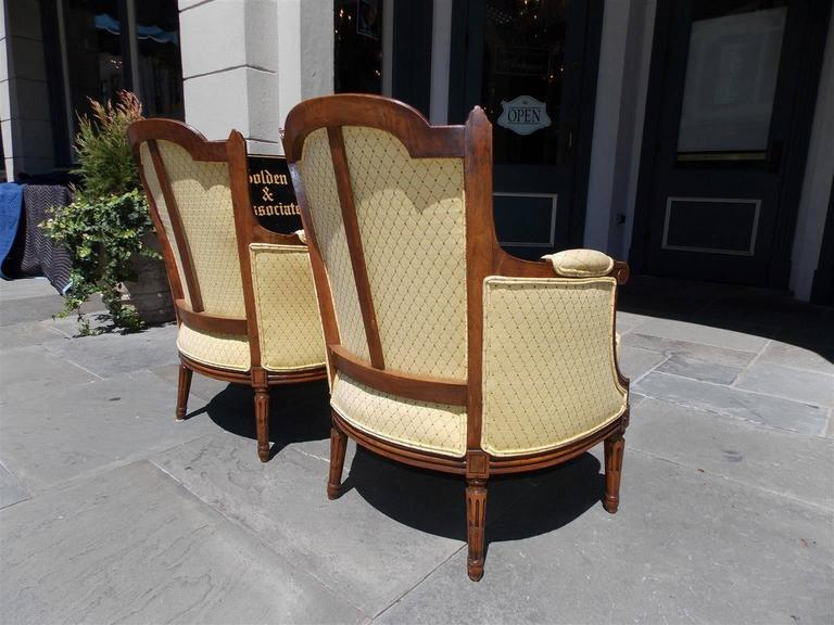Pair of Italian Walnut Bergere Upholstered Armchairs, Circa 1780 For Sale 1