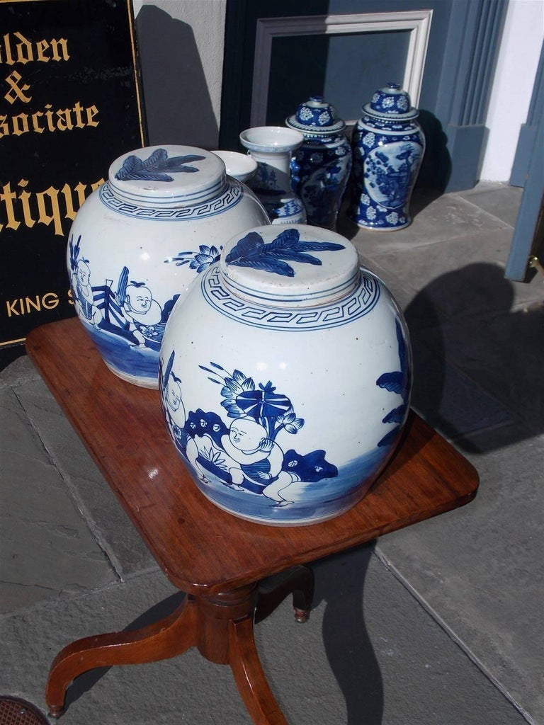 Pair of Chinese Porcelain Glazed Figural Ginger Jars with Lids, 20th Century For Sale 1