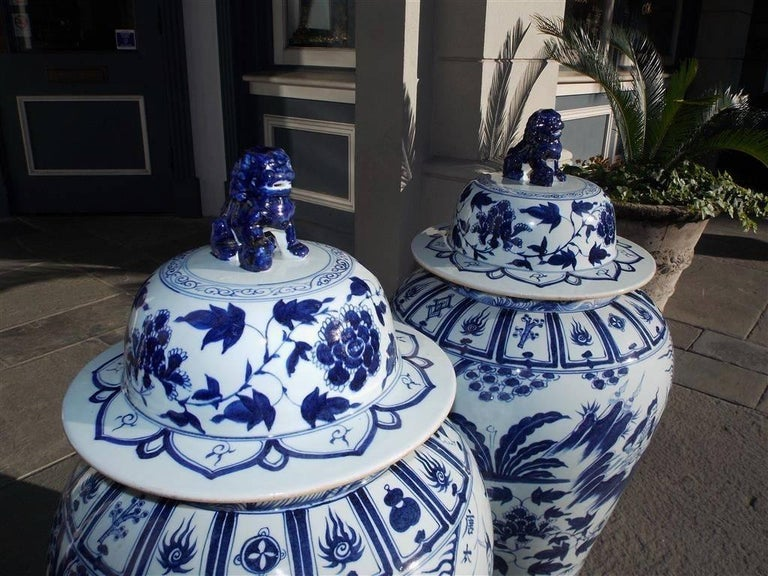 Pair of Monumental Chinese Porcelain Glazed Foo Dog Temple Urns, 20th Century For Sale 2