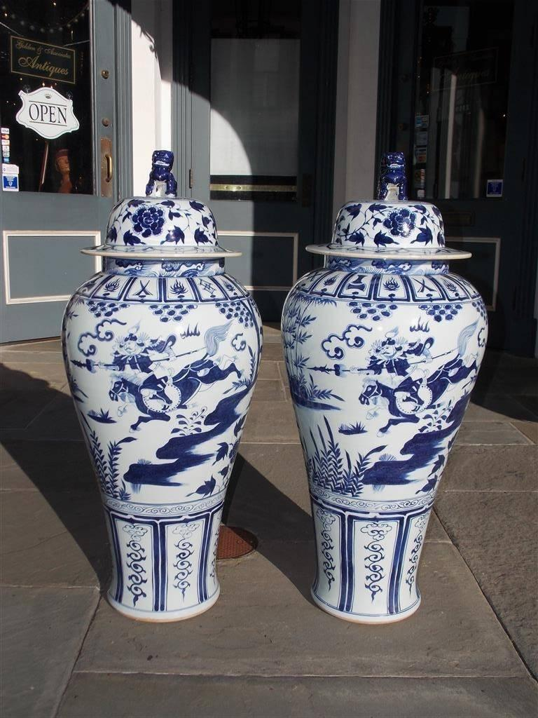 Pair of Monumental Chinese Porcelain Glazed Foo Dog Temple Urns, 20th Century For Sale 3