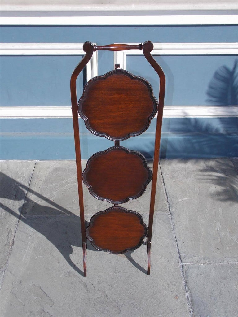 English Mahogany Scalloped Three-Tiered Folding Muffin Stand, Circa 1850 In Excellent Condition For Sale In Charleston, SC