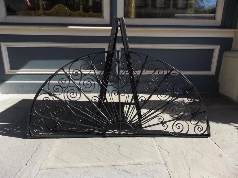 American Wrought Iron Decorative Window Transom or Gate, Circa 1820  In Excellent Condition For Sale In Charleston, SC