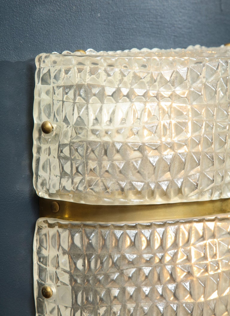 Pair of Clear Murano Stamped Glass and Brass Sconces, Italy. In Excellent Condition For Sale In New York, NY