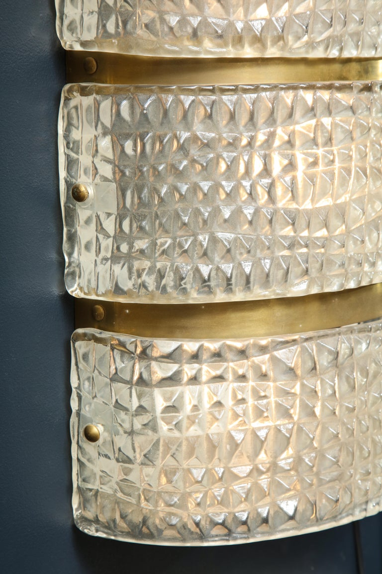 Contemporary Pair of Clear Murano Stamped Glass and Brass Sconces, Italy. For Sale