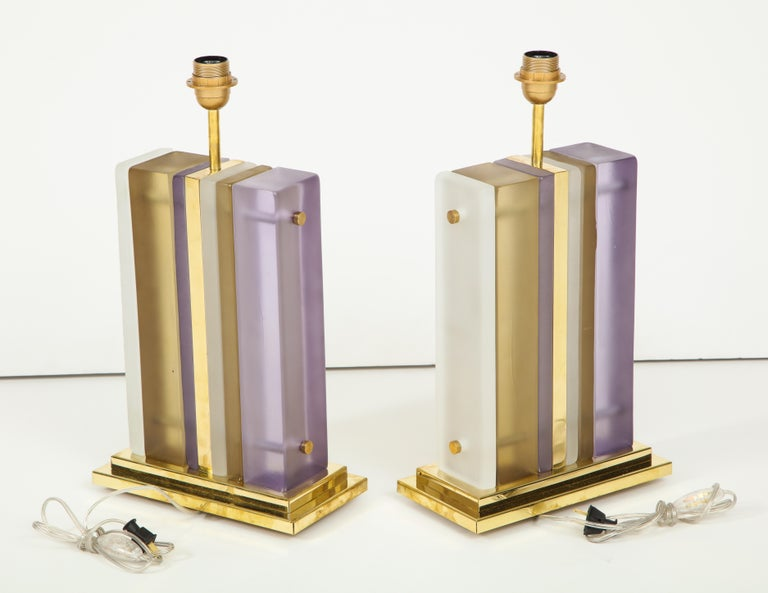 Contemporary Pair of White, Smoke and Lavender Murano Glass Block and Brass Lamps, Italy For Sale