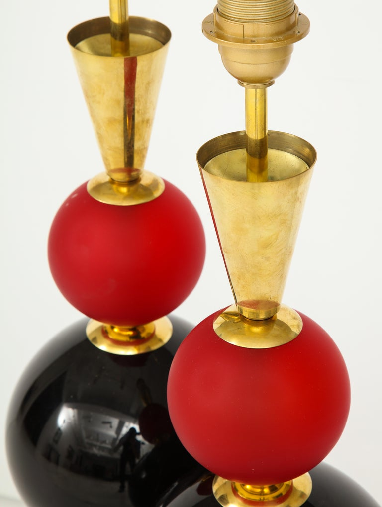 Unique Pair of Tall Red, White and Black Murano Glass and Brass Lamps, Italy For Sale 6