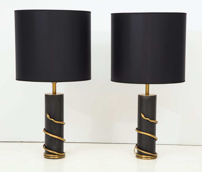20th Century Rare Pair of Tall Italian Black Metal and Brass Snake Lamps, circa 1970 For Sale