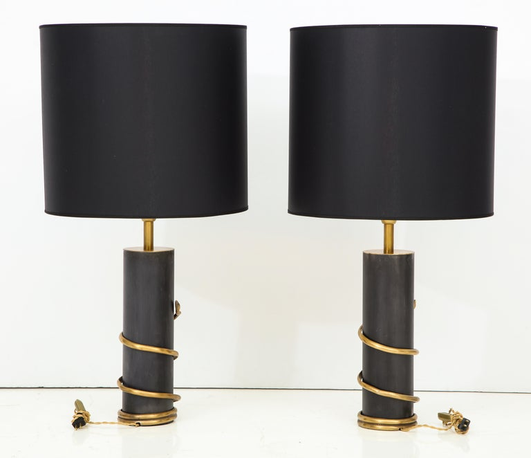 Rare Pair of Tall Italian Black Metal and Brass Snake Lamps, circa 1970 For Sale 4