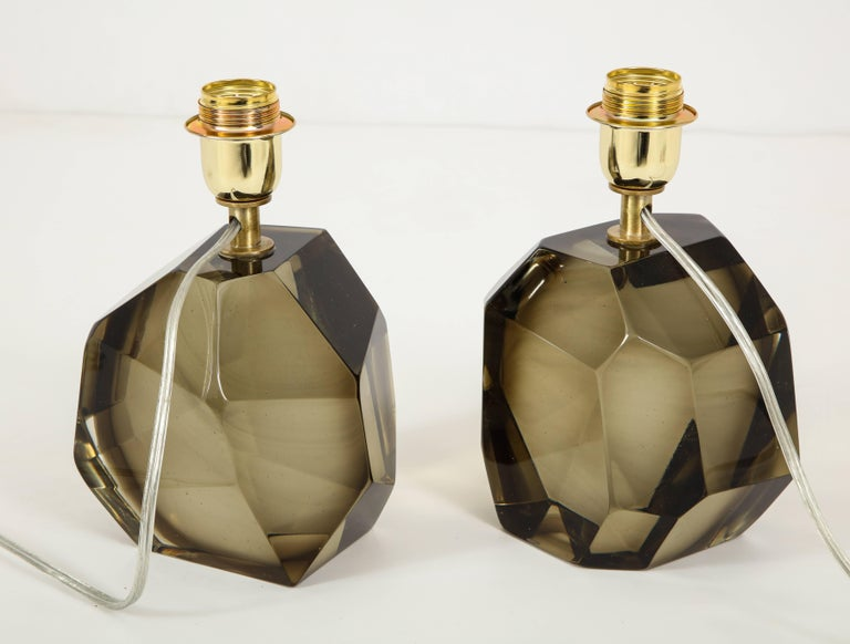 Pair of Solid Smoke Taupe Murano Glass Lamps In Excellent Condition For Sale In New York, NY