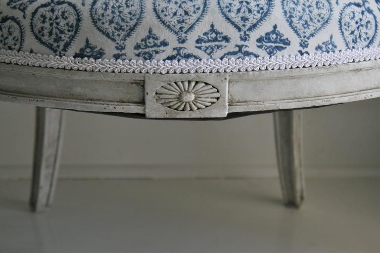 Late 19th Century French Empire Style Painted Armchair in French-Indie Fabric For Sale 1