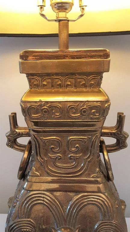 Pair of Impressive Bronze Brass Chinese Chinoiserie Urn Table Lamps For Sale 5