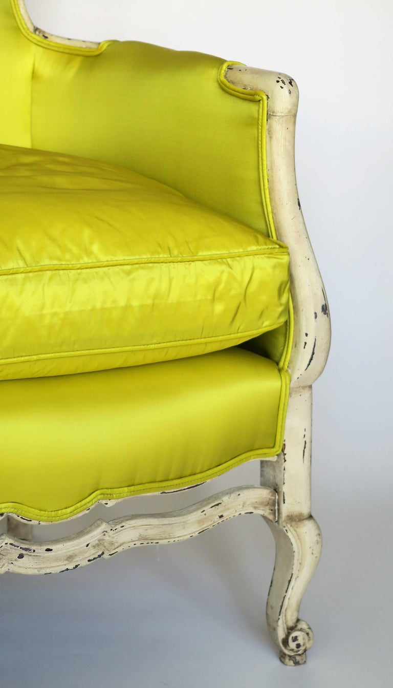 Pair of 19th Century Louis XV French Bergeres Chairs in Chartreuse Silk Fabric In Excellent Condition For Sale In New York, NY