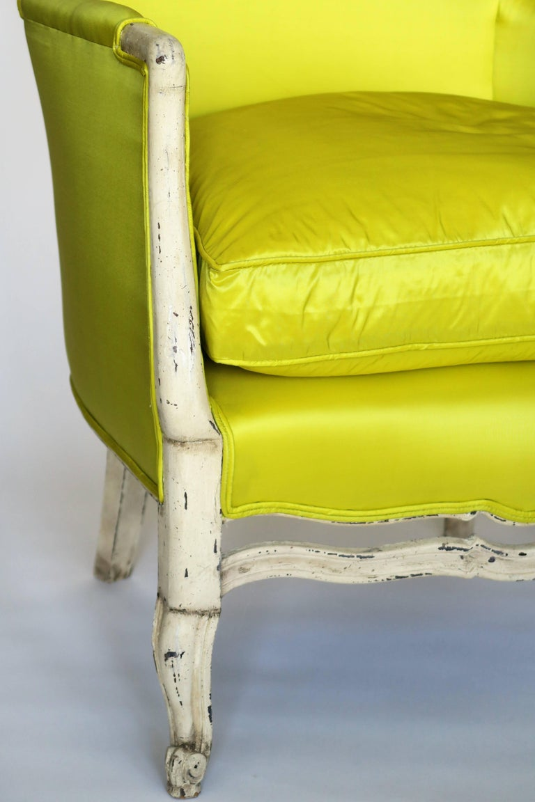 Pair of 19th Century Louis XV French Bergeres Chairs in Chartreuse Silk Fabric For Sale 1