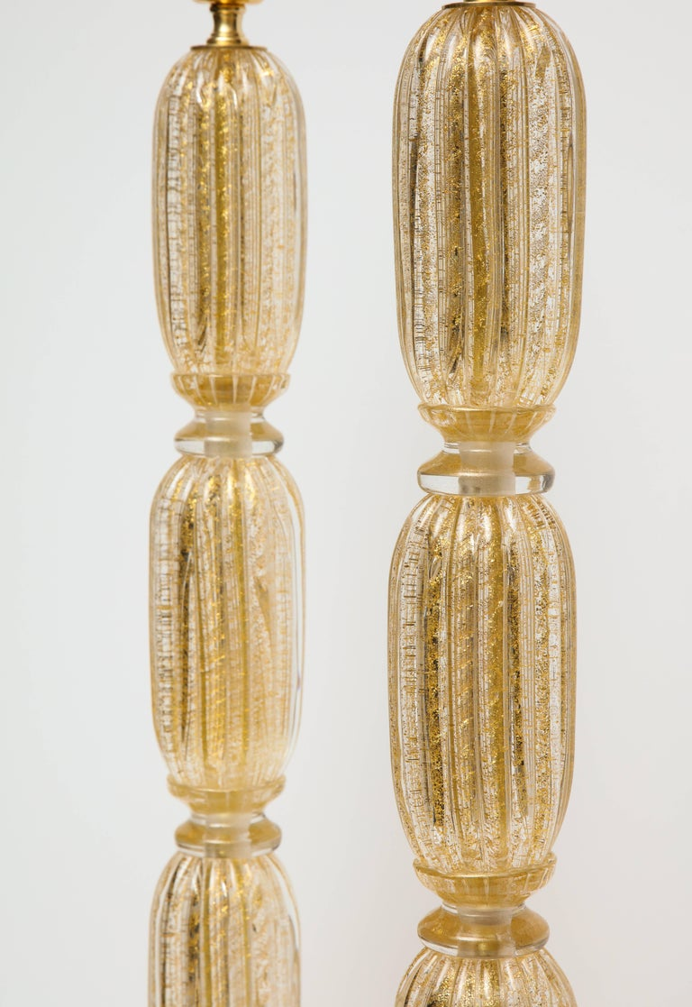 Tall Pair of Seguso Style 23-Karat Speckled Gold Murano Glass Lamps, Italy In Excellent Condition For Sale In New York, NY