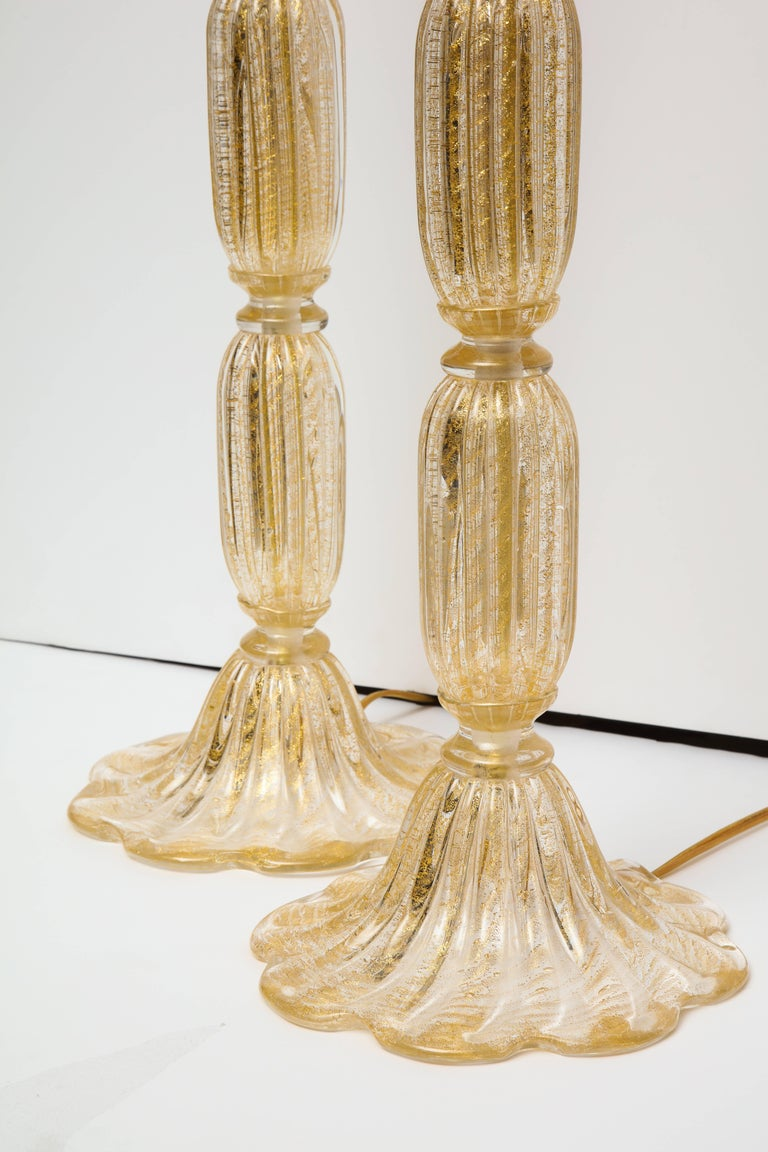 20th Century Tall Pair of Seguso Style 23-Karat Speckled Gold Murano Glass Lamps, Italy For Sale