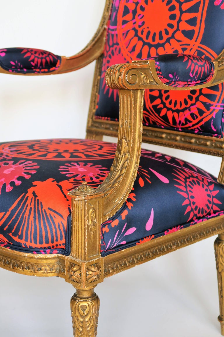 19th Century Louis XVI Style Gilded Armchair in Hand-Painted Italian Silk Fabric For Sale