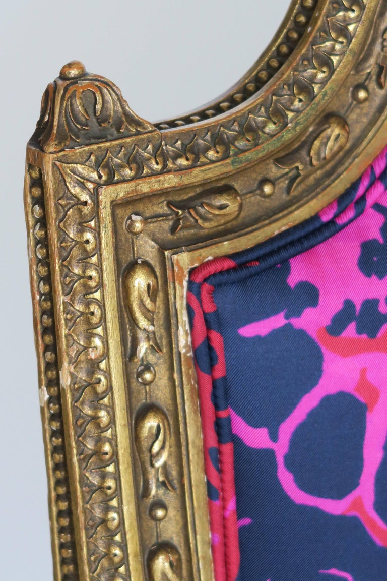 Louis XVI Style Gilded Armchair in Hand-Painted Italian Silk Fabric For Sale 3