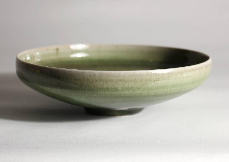 Laura Andreson Green Celadon Porcelain Art Pottery Bowl In Excellent Condition For Sale In San Diego, CA