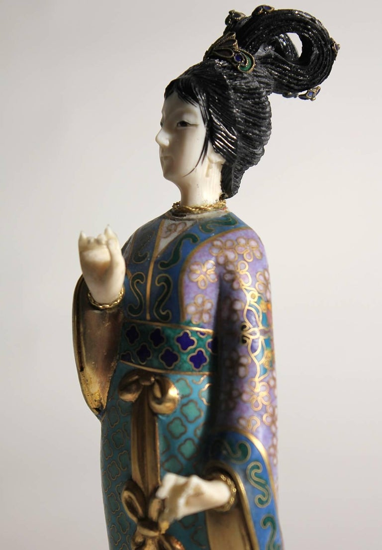 Antique Chinese Cloisonne Enameled Carved Guanyin Quan Yin Sculpture Figurine For Sale 3