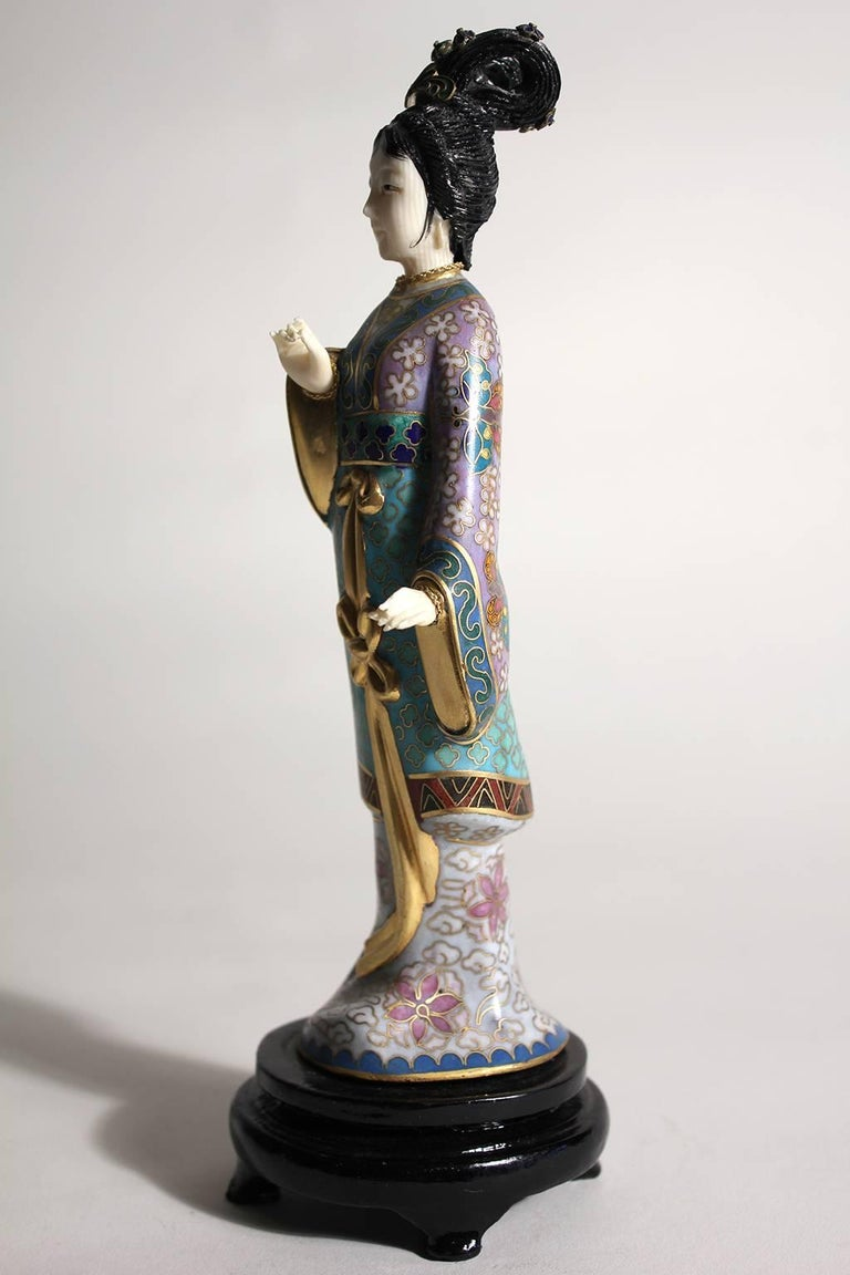 Antique Chinese Cloisonne Enameled Carved Guanyin Quan Yin Sculpture Figurine For Sale 2