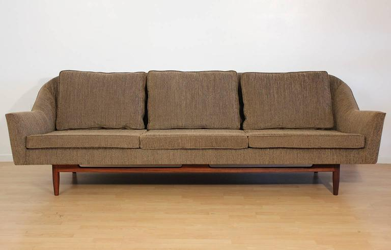 Jens Risom Sofa Model 2516 For Design Inc
