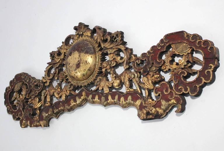 Large Antique Chinese Gold Gilt Carved Wood Wall Plaque In Good Condition For Sale In San Diego, CA