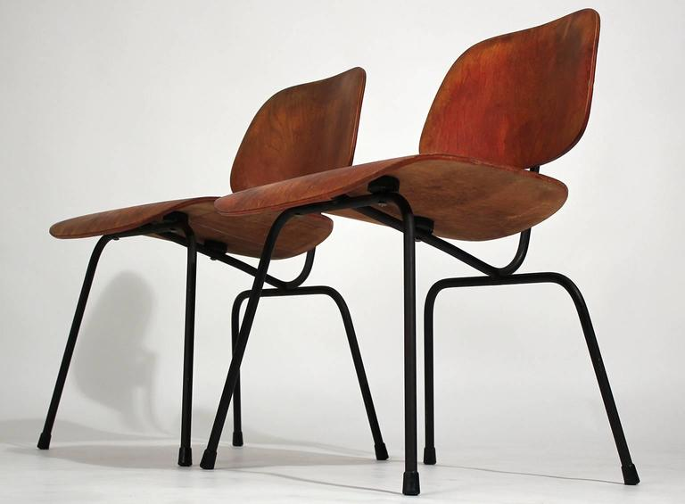 Early Charles Eames Herman Miller Aniline Red DCM Dining Chairs, Pair In Good Condition For Sale In San Diego, CA