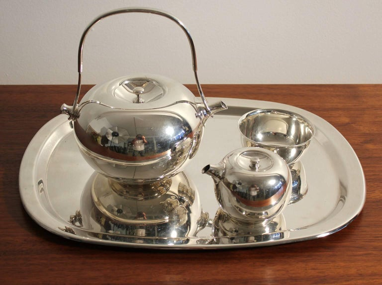 20th Century Modernist Sculptural Vivianna Torun for Dansk Silver Plate Tea Set with Tray For Sale
