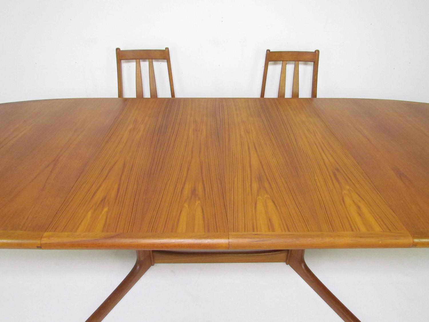 Danish Teak Dining Set Expandable Oval Table And Six Chairs Circa