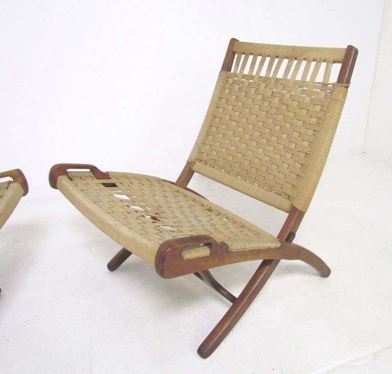 Superieur Mid Century Modern Pair Of Mid Century Hans Wegner Style Folding Scissor  Lounge Chairs