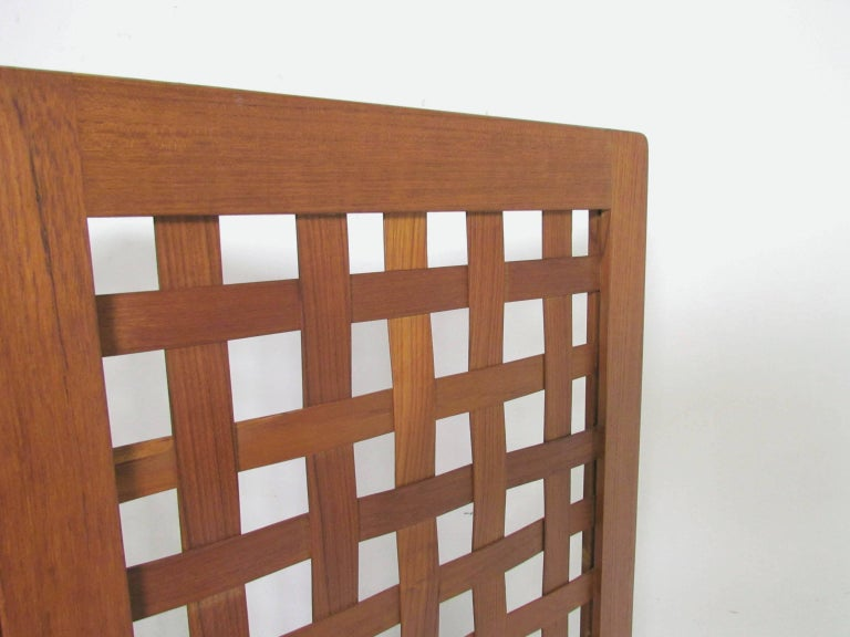 Danish Modern Teak Three-Panel Room Divider Screen, circa 1970s In Good Condition For Sale In Peabody, MA