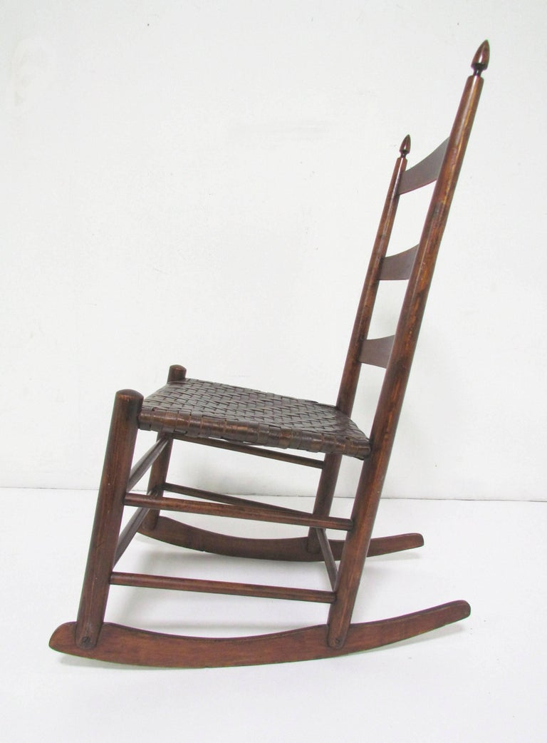 Authentic Original Mt. Lebanon Shaker No. 3 Rocking Chair 2 - Authentic Original Mt. Lebanon Shaker No. 3 Rocking Chair At 1stdibs