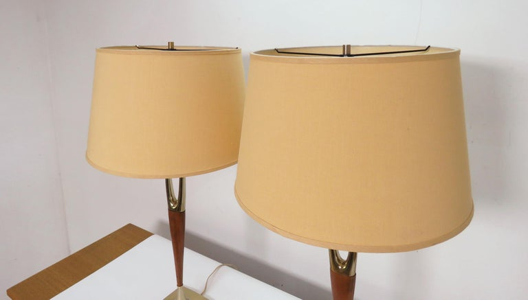 Pair of Laurel Wishbone Table Lamps, circa 1960s For Sale 4