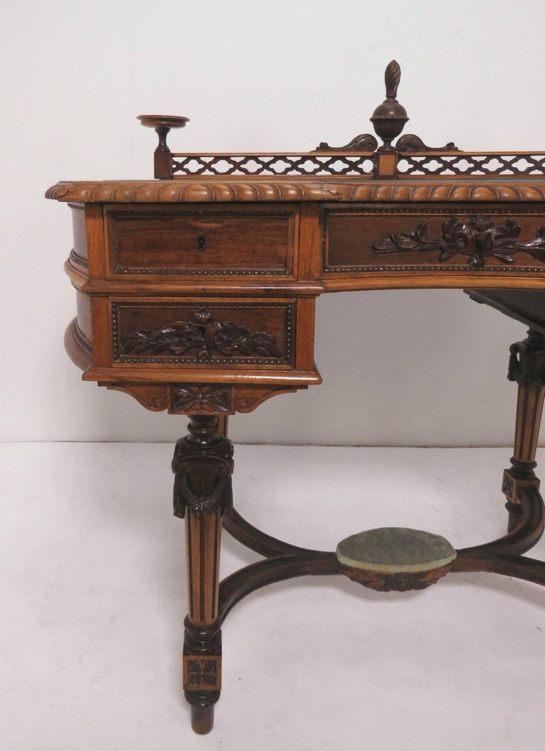 Antique Victorian Era Ladies Writing Desk, circa 1860s In Good Condition  For Sale In Peabody - Antique Victorian Era Ladies Writing Desk, Circa 1860s At 1stdibs
