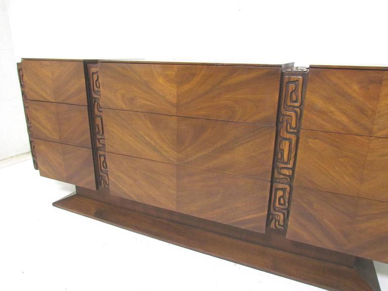 High Quality Brutalist Mid Century Nine Drawer Dresser By United Furniture Co. 2