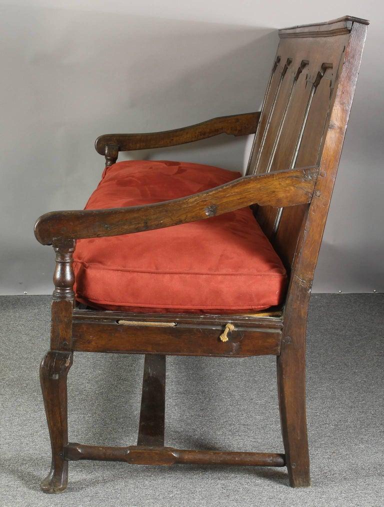 18th Century English Oak Settle In Good Condition For Sale In Kilmarnock, VA