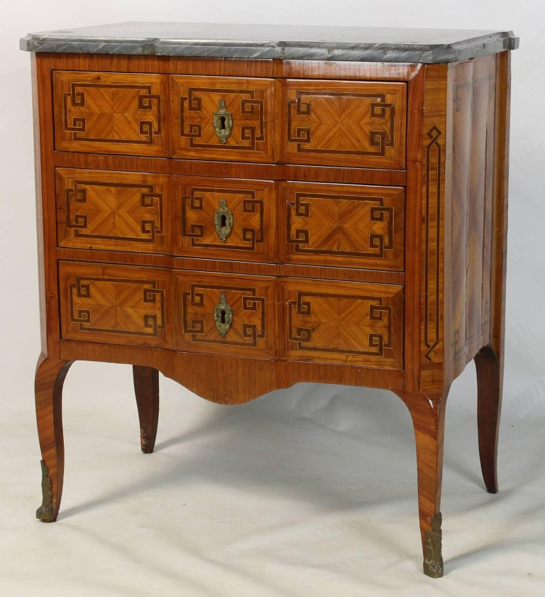 19th Century French Commode For Sale 1