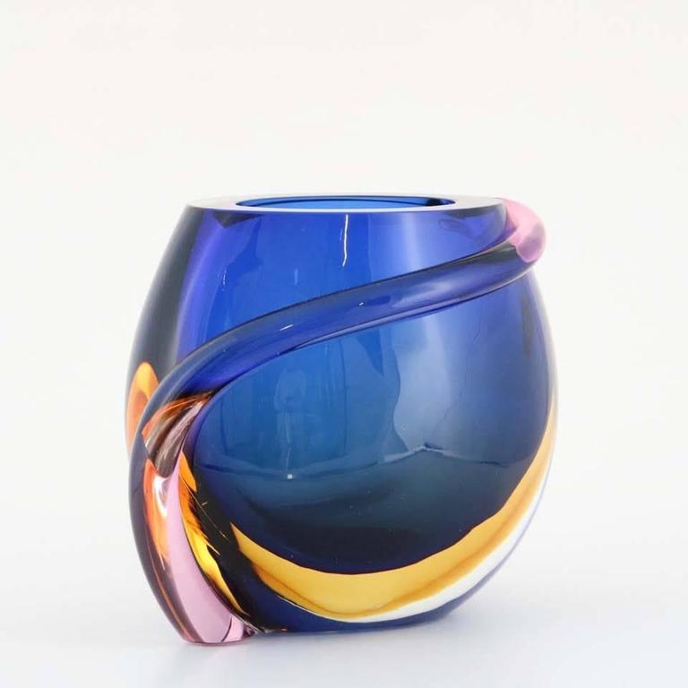 Formia Multicolored Murano Glass 'Sommerso' Vase In Good Condition For Sale In New York, NY