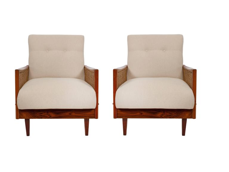 Mid-Century Modern Pair of Cane Armchairs in Caviuna For Sale