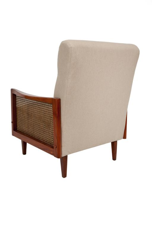 Pair of Cane Armchairs in Caviuna In Excellent Condition For Sale In New York, NY