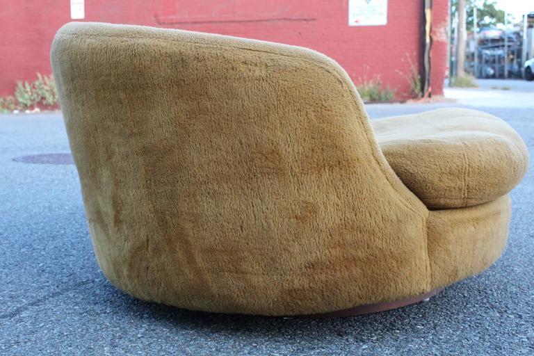 Milo Baughman Round Lounge Chair For Thayer Coggin At 1stdibs