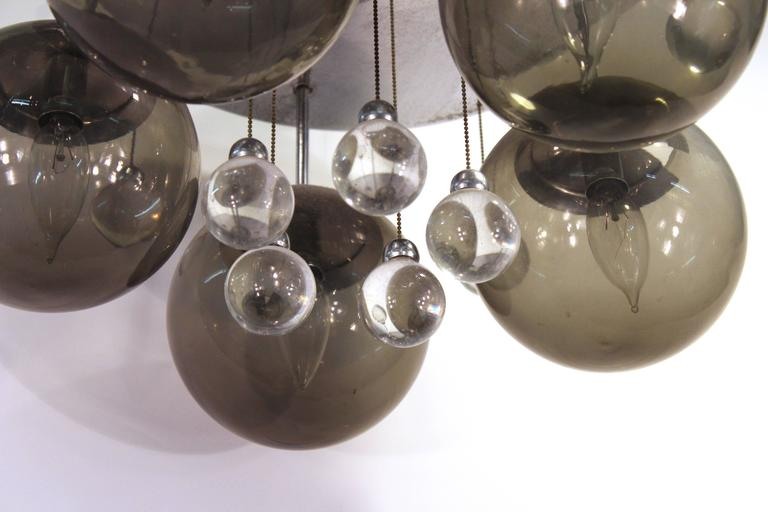 Mid-Century Chrome and Glass Balls Chandelier In Good Condition For Sale In New York, NY