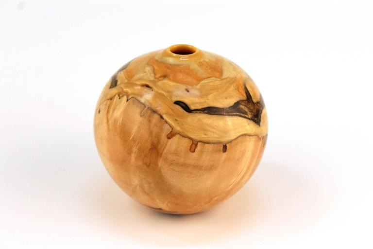 American Robert W. Chatelain Box Elder Wood Vessel For Sale