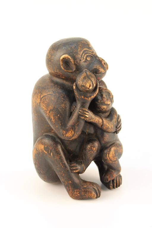 Wooden Sculpture of a Monkey and Her Infant In Good Condition For Sale In New York, NY