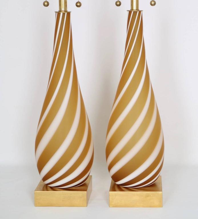 Italian Pair of Murano Glass Lamps in Butterscotch and White For Sale