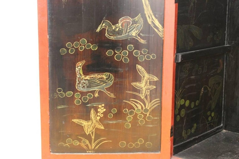 Chinoiserie Cabinet in Red and Black For Sale 2