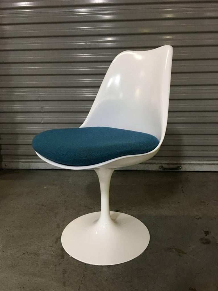 Set of six tulip chairs by saarinen for knoll for sale at for Eero saarinen tulip armchair