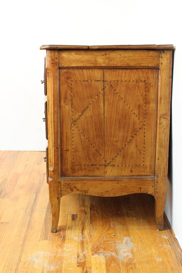 german late 18th century baroque style walnut commode for sale at 1stdibs. Black Bedroom Furniture Sets. Home Design Ideas