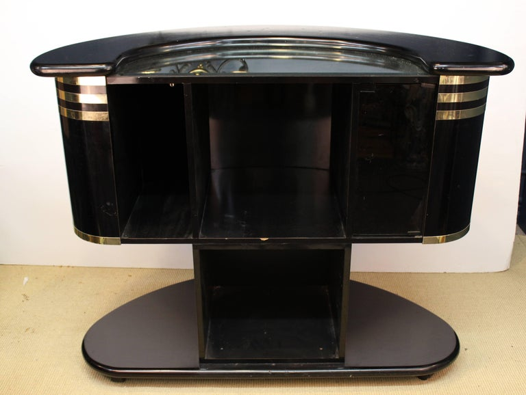 Mobile Bar after Guzzini In Good Condition For Sale In New York, NY