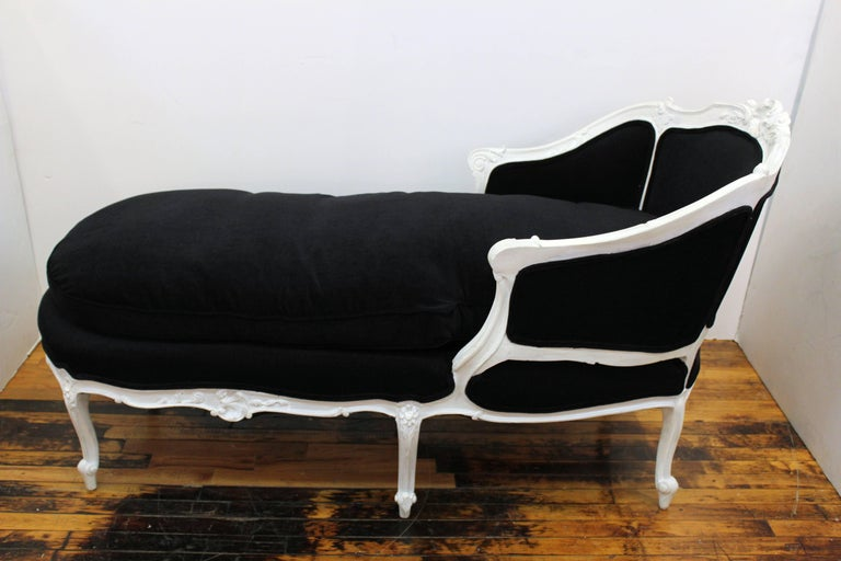 Hollywood Regency Style Sculpted Beechwood Chaise Longue Made In France The 1940s Elaborate Wood